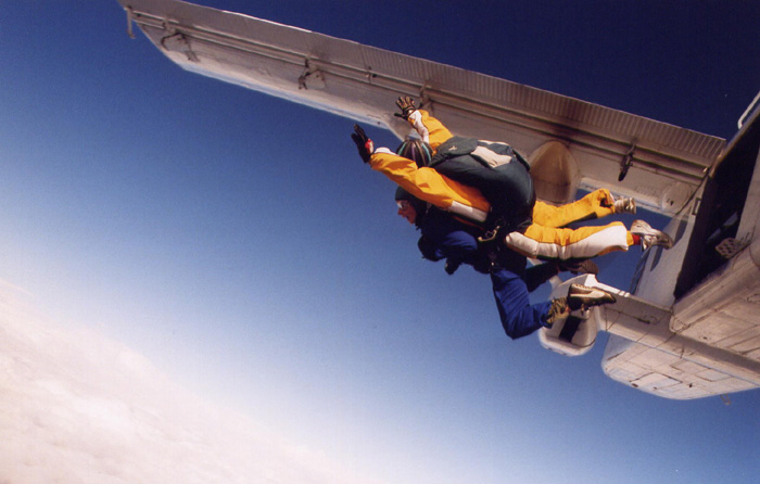 AS Skydive1 700