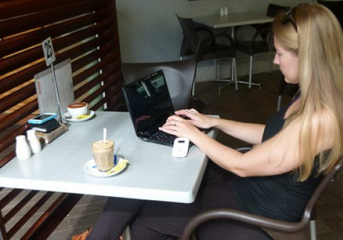 Mit dem Notebook in Australien ins Internetcafé