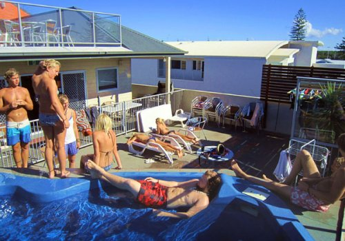 YAMBA / YHA Backpackers Beach Resort